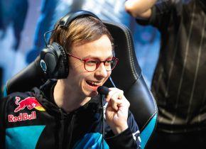 Cloud9 se torna a primeira classificada no Mundial após vencer Team Vitality pelo grupo B