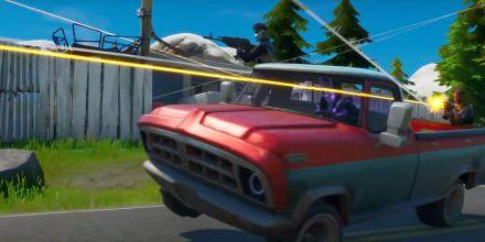 Jogador causa explosão gigantesca ao dispara com um Lança-foguetes em 62 carros; veja o vídeo