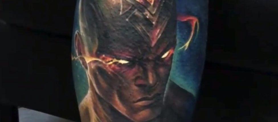 Fã de League of Legends faz tatuagem incrível de Lee Sin Punhos Divinos