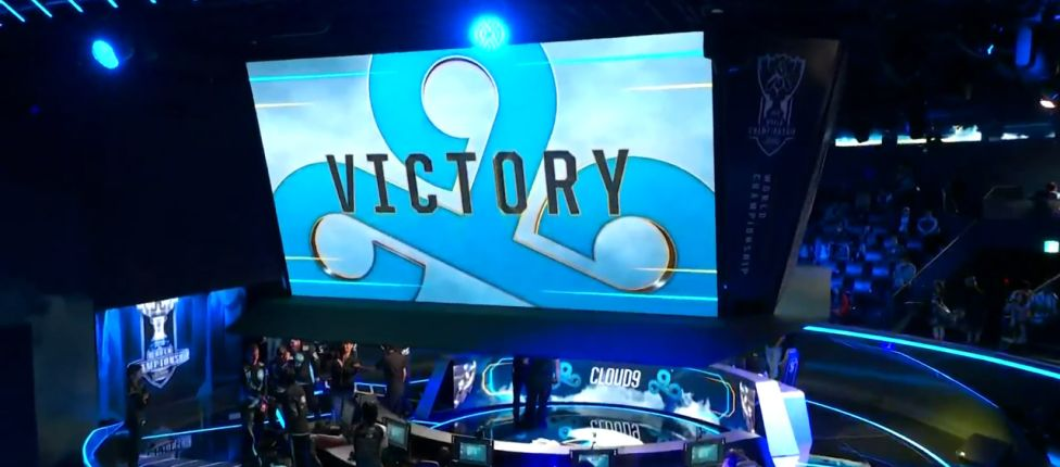 Em jogo recheado de erros individuais, Cloud9 vence DFM e lidera grupo C