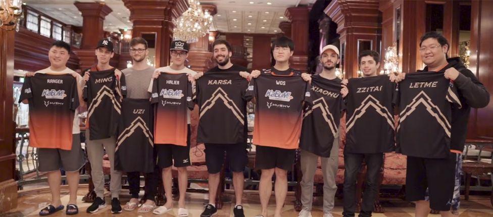 A convite da RNG, equipe da KaBuM! e-Sports conhece jogadores chineses e troca camisas