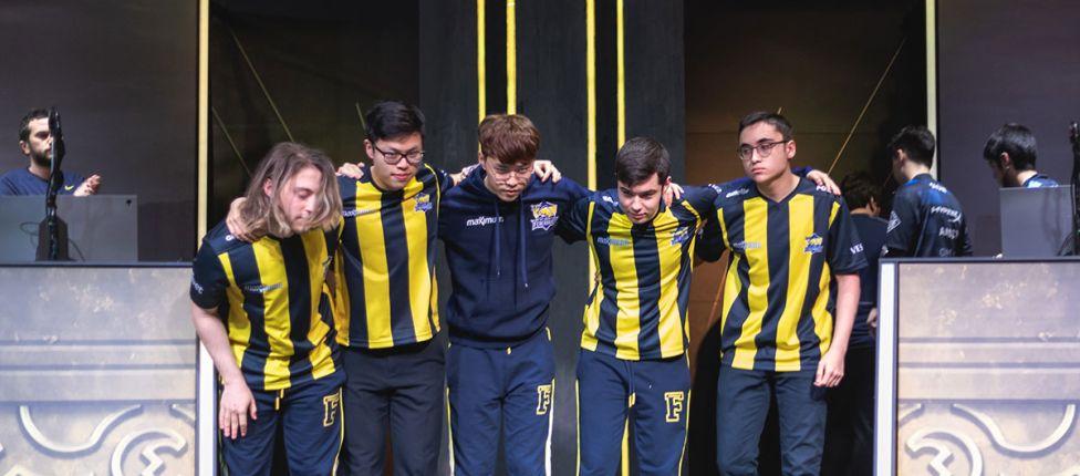 Fenerbahçe bate Phong Vũ e força jogo de desempate no Grupo A